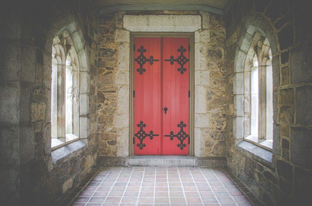תיקון דלתות עץ בגבעת שמואל