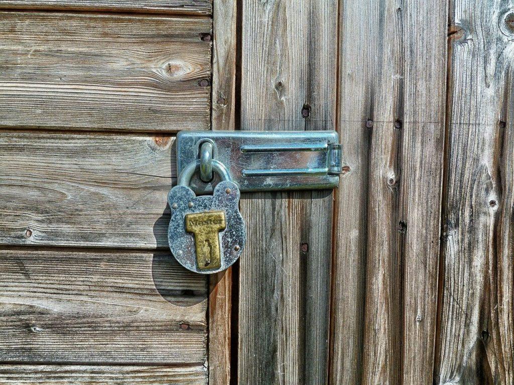 תיקון דלתות פלדלת בדרום השרון
