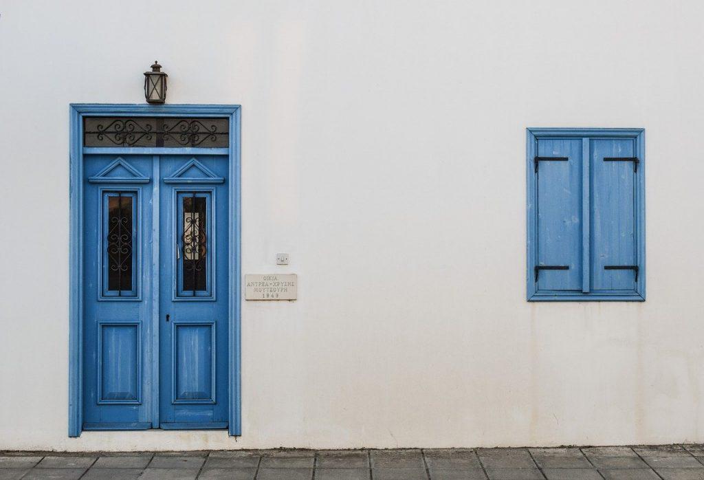 תיקון דלתות פנים פנדור באבן יהודה