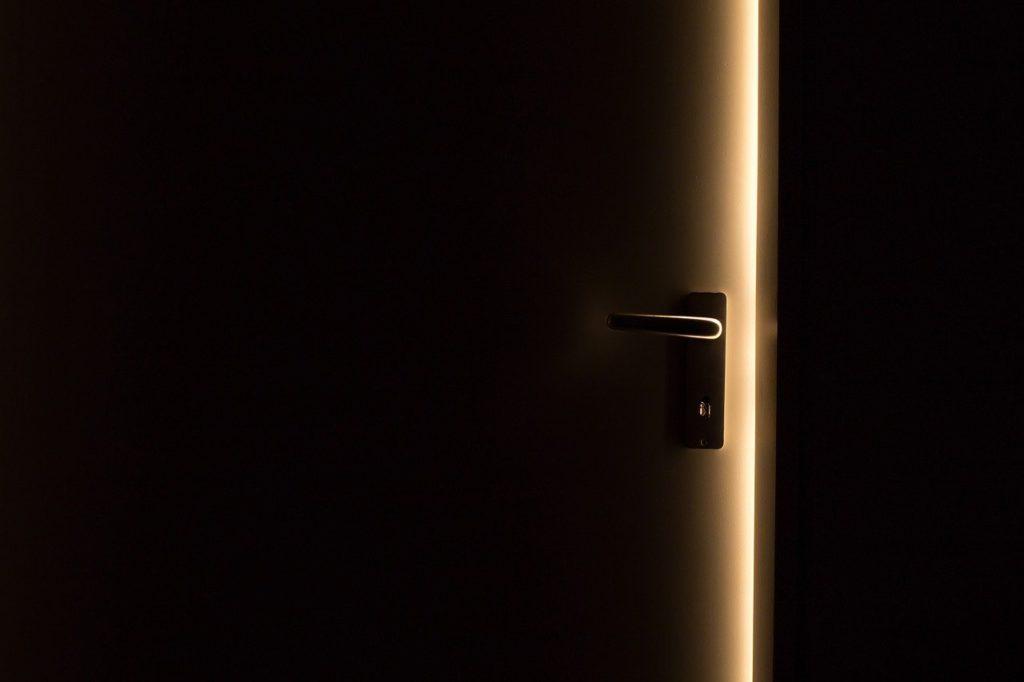 פורץ דלתות בבאר יעקב