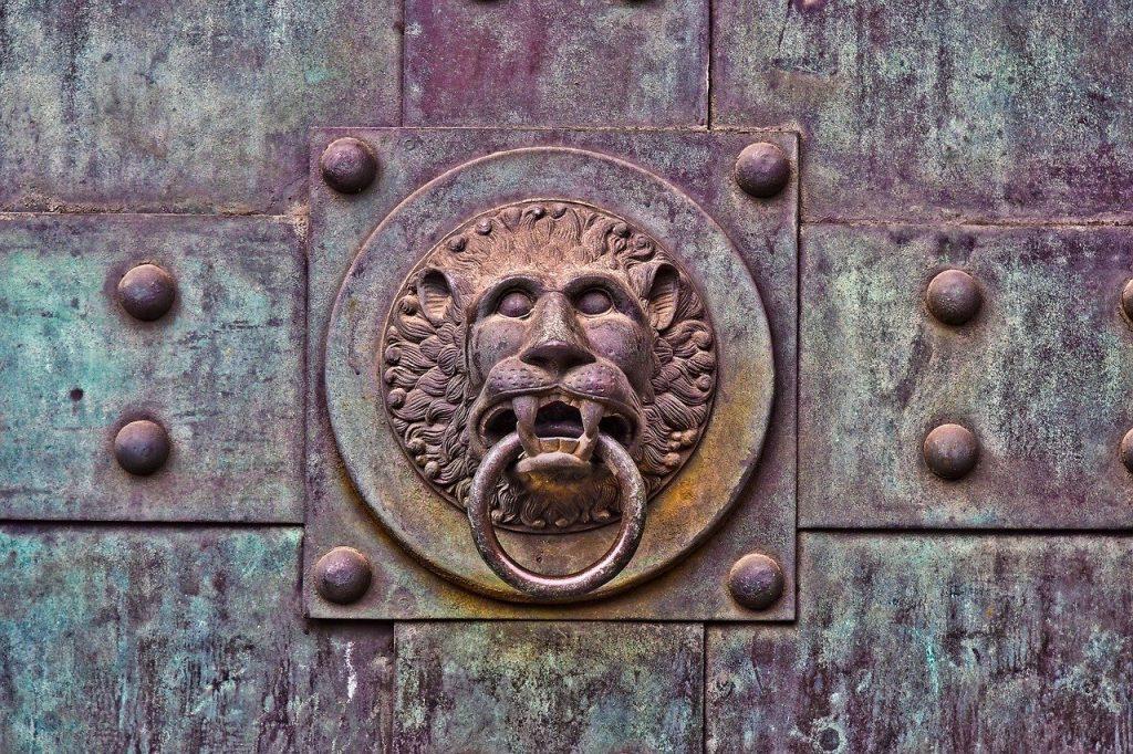 תיקון דלתות אלומיניום בנתניה