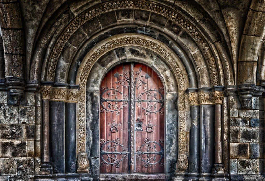 תיקון דלתות פנדור בגזר