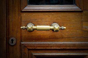 תיקון דלתות אלומיניום מומלץ בבני ברק