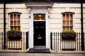 תיקון דלתות פנדור מומלץ בקריית עקרון