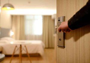 תיקון דלתות פנים מומלץ בחדרה