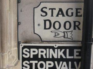 פורץ דלתות בהוד השרון